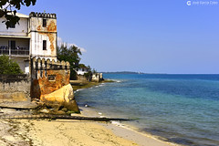 20190725 Tanzania-Zanzíbar-Stone Town (127) O01 (Nikobo3) Tags: áfrica tanzania zanzíbar stonetown urban street travel viajes nikon nikond800 d800 nikon247028 nikobo joségarcíacobo paisajes mar playa