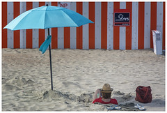 Nieuwpoort (marc.demeuleneire) Tags: beach holiday embrella reading red lines coast sand