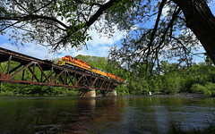 Tree, Bridge, water (GLC 392) Tags: mqt marquette rail railroad emd sd402 gp382 train turn job 3406 3407 3408 2043 mi michigan gw newaygo muskegon river bridge sky water tree frame