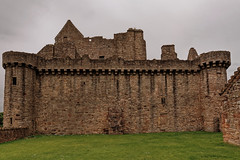 Edinburgh / Craigmillar Castle / Facade (Pantchoa) Tags: édimbourg ecosse craigmillar château pierres forteresse ruines mariestuart 14°siècle simonpreston