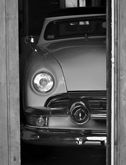 _DSC0541  Ford 1950 (Le To) Tags: nikond5000 noiretblanc nerosubianco bw monochrome voiture véhicule car ford