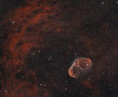 NGC6888 - Crescent Nebula (Ha/O3)) (DeepSkyDave) Tags: astrophotography astrofotografie astronomy astronomie night sky nacht himmel stars sterne deepsky cosmos kosmos natur nature long exposure langzeitbelichtung low light astrodon bi color