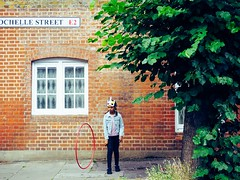 Girl in Bethnal Green (SouthallAddick) Tags: play bethnalgreen hoop
