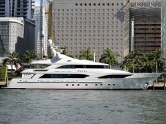 Katya (ACEZandEIGHTZ) Tags: yacht miamiriver nikond3200 miami buildings water dockside hotels