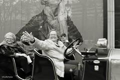 Happy ladies. (AviAntonio) Tags: senyores cotxe antic reflexos ciutat virat señoras coche antiguo ciudad reflejosvirado