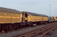 Accident damaged L37 and L39 at Ruislip Depot. 1990. (Marra Man) Tags: batteryelectriclocomotive typel l37 l39 londontransport ruislipdepot gloucesterrcw