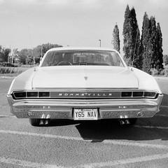 Pontiac Bonnebille '65 Rear (Helios 1984) Tags: ilfordfilm ilforddelta100 35mmcamera filmcamera 135mmfilm blackandwhitefilm agfarondinax rondinax35u ilfordrapidfixer daylightloadingfilmdevelopingtank sp110ec kodakhc110 bwhomeprocessing expiredfilm expired35mmfilm