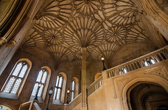• Welcome to Hogwarts • (ᛚ ᚨ ᚢ ᚱ ᚨ) Tags: oxford oxforduniversity harry potter harrypotter hogwarts hall castillo castle britain uk great greathall hogwartsschoolofwitchcraftandwizardry christchurchcathedral