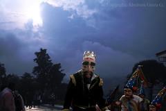 Septiembre en Naolinco (Abraham Garza) Tags: naolinco abrahamgarzaguzmán diezañosfotografiandoladanzadesantiagosdenaolincover veracruz méxico mejico máscara pilatos pilato morosycristianos danza santiagoapostol