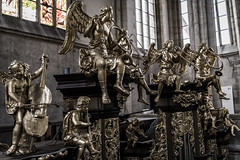 Brass Band - St. Barbora Cathedral (BisonAlex) Tags: kutnahora 庫納赫拉 捷克 europe 歐洲 sony a73 a7iii a7m3 a7 taiwan 台灣 外拍 旅拍 travel 街拍 street streetphoto streetshot