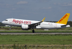 "TC-NBV  Pegasus Airlines Airbus A320-251N ""Rüya"" (Osdu) Tags: spotting planespotting avia aviation domodedovo airport dme uudd аэропорт домодедово aircraft airplane avion aeroplano aereo 机 vliegtuig aviao uçak аэроплан samolot flugzeug luftfahrzeug flygplan lentokone aeroplane طائرة letoun fastvingefly avión lennuk هواپیما flugvél aëroplanum самолёт 固定翼機 飛機 airbus a320 エアバスa320 pegasusairlines tcnbv"