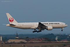 B772_JL8922 (KEF-VIE)_JA711J_5 (VIE-Spotter) Tags: vienna wien vie airport airplane flugzeug flughafen planespotting japan airlines boeing 777200er tripleseven