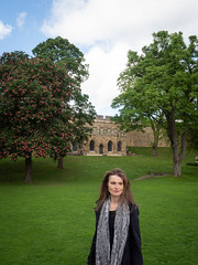 Mariëlle, Lincolnshire 2019: Lady of the castle (mdiepraam) Tags: lincolnshire 2019 lincoln castle wall marielle portrait pretty gorgeous attractive mature fiftysomething brunette woman lady milf elegant classy scarf trees lawn