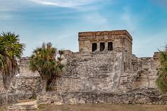 Tulum's ruins (Aurélien Latour) Tags: canon landscape mexico ruins yucatan tulum mayan mexique centralamerica mayantemple eos80 elcastillo