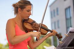 Concert Rosanne Philippens tijdens opening Maankwartier