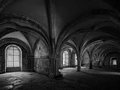 Chapter room (drbonn) Tags: architektur bearbeitungen burgund orte sw