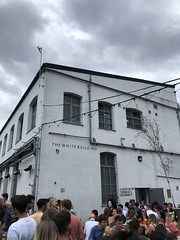 Pizza and beer with Barnes, Crate Brewery, Hackney Wick - August 2019 (Pub Car Park Ninja) Tags: pizza beer barnes cratebrewery hackneywick august 2019 uk london beers craft ales ale crate howlinghops ipa hacknet eastlondon lea