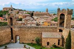 Morning walk on the fortress of Montalcino! 🌞🔥 . . . #like #follow #share #comment #subscribe #castelnuovodellabate #montalcino #borghettomontalcino #tuscany #tuscanygram #italy #italy #italia #santantimo #valdorcia #travel #travelblogg (borghettob) Tags: valdorcia tuscany castelnuovodellabate holiday travelphotography santantimo italia montalcino travelholic share igtravel travelgram tuscanygram italy travelling discover instatraveling like subscribe follow borghettomontalcino travelblogger instago travels instatravel comment travel bedandbreakfast