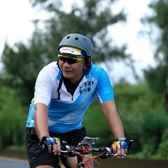DSCF1812 (陳育生) Tags: run 路跑 跑步 百k 接力賽 腳ㄚ子 單車 自行車 前導 太陽眼鏡 領騎