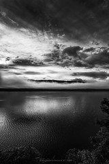 Good morning Loch Ness II (Passie13(Ines van Megen-Thijssen)) Tags: schotland schottland lochness loch meer scotland fineart landscape blackandwhite bw sw zw monochroom monochrome monochrom canon inesvanmegen inesvanmegenthijssen