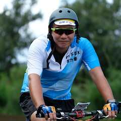 DSCF1814 (陳育生) Tags: run 路跑 跑步 百k 接力賽 腳ㄚ子 單車 自行車 前導 太陽眼鏡 領騎