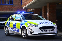 HX68 EAM (S11 AUN) Tags: hampshire constabulary police ford focus patrol car panda irv incident response vehicle safernieghbourhoodteam snt 999 emergency hx68eam