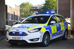 HX18 ECF (S11 AUN) Tags: hampshire constabulary police ford focus estate patrol car panda irv incident response vehicle safernieghbourhoodteam snt 999 emergency hx18ecf