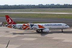 TC-JRO Airlines A321-231 Turkish Airlines (FokkerAMS) Tags: airbusa321 turkishairlines euroleague tcjro