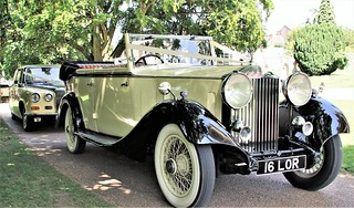 Lord Cars - Chauffeur - Rolls-Royce Bentley
