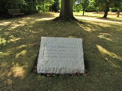 IMG_6180 sir noel mobbs (belight7) Tags: founder stoke poges memorial garden uk england stokepoges