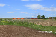 Casnovia (GLC 392) Tags: casnovia railroad blue sky field fruit mi turn train michigan farm rail railway ridge apples gw marquette emd sd402 m37 3406 3408 3407 mqt