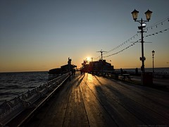 Blackpool North Pier at dusk (dksesha) Tags: seshadri dhanakoti harita samvatsara googlepixel3xl googlepixel pixel3 pixel3xl blackpool pier sea england coast sunset golden goldenhour sesh seshfamily haritasya vikaari vikaarisamvatsara google pixel tilottama lancashire northpier irishsea beach water sun hour