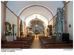 LL-6-0039 / Interior de la iglesia de Paiján (Peruviajero) Tags: peru peruviajero luisyupanqui lalibertad ascope paijan iglesia altar religion fe