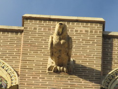 2019 Pigeon Bird Gargoyle above Belvedere Hotel 9671 (Brechtbug) Tags: 2019 pigeon bird gargoyle above building facade 48th street between 9th ave 8th the belvedere hotel 319 w st new york nyc 09012019 city midtown manhattan horn horns gargoyles portraits monster portrait monsters creature faces spooky art architecture sculpture keystone mask brownstone brown stone capital