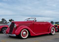 1935 Ford Roadster Street Rod (J Wells S) Tags: 1935fordroadster hotrod streetrod whitewalltires oldschool ford chrome alltypesoftransport milfordcruisein milford cincinnati ohio