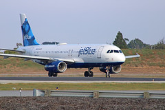 JetBlue A320-232 (N503JB) - LGB (jebzphoto) Tags: airlines airline airliner airliners airplane airplanes aviation aircraft plane planes planespotting flight los angeles international airport airports klax lax commercial jetblue airbus a320