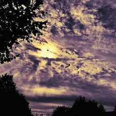 a beautiful sunday morning (delnaet) Tags: clouds sky lucht wolken sun zon soleil nuages sundag dimanche matin morning zondagmorgen fantasticnature