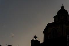 moonhouette (simone.pelatti) Tags: moon silhouette church chapel dome turin evening sunset late night end sky luna chiesa cappella cupola torino sera tramonto tardi notte cielo fine