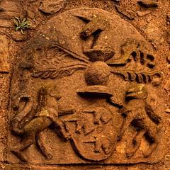 Craigmillar / The Simon Preston coat of arms (Pantchoa) Tags: ecosse édimbourg craigmillar armoiries écusson simonpreston château vieillespierres antiquité ancien