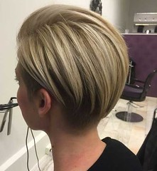 20+ Court Bob Coupes d'Élégantes Dames (votrecoiffure) Tags: 2019 cheveux coiffure votrecoiffure