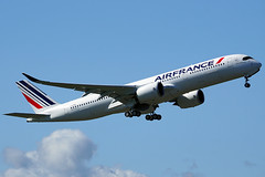 Air France - Airbus A350-900 (with new blue winglets) (David B. - just passed the 7 million views. Thanks) Tags: france a350xwb a350 a350900 a350941 airbusa350xwb airbus airbusa350900xwb airbusa350900 airbusa350 airfrance toulouse hautegaronne midipyrénées occitanie sony a6000 sonya6000 sonyalpha6000 ilce6000 sonyilce6000 100400mm 100400 fe100400mm sonyfe100400mmf4556gmoss avion aviation flight fly flying plane planespotter airplane airport blagnac air runway takeoff takingoff fwzfn 331 msn331 fhtya aib02fn