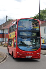 VW1051 LK10 BXW (ANDY'S UK TRANSPORT PAGE) Tags: buses metroline london hounslow