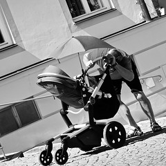 Kukuck (Burak Özkaya) Tags: bavaria altötting germany street people streetsstorytelling worldstreetphotographers streetziers streetphotography fromstreet streetleaks streetfinder nonstopstreet sonyphotography spicollective cityphotography streetstyle streetphoto streetsgrammer capturestreet intercollective streetlife streetlove streetphotoawards streetlifeaward women shopping monochrome