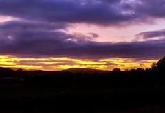 Amanecer con nubes (eitb.eus) Tags: eitbcom 16599 g1 tiemponaturaleza tiempon2019 amanecer nafarroa ayegui josemariavega