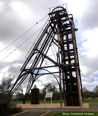 The Chesney No.1 Headframe, Miners Heritage Park, Cobar, Western NSW (Black Diamond Images) Tags: chesneyno1headframewinder chesneyno1headframe chesneyheadframe headframe winder cobarminersheritagepark nynganroad cobar westernnsw nsw australia minersheritagepark greatcobarcoppermine cobarminersheritagemuseum coppermine coppermining goldmine goldmining thecobarminer sculpture thegreatcobarmine cobargold goldmines cobargoldcoppermine cobarmine cobargoldmine cobarcoppermine cobarpit iphonexbackcamera iphonex iphone bourkeback july2019 shotoniphone