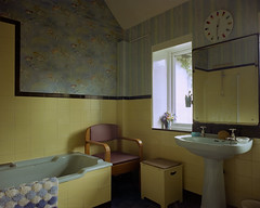 Granny's Bathroom, 2016 (BennehBoy) Tags: 5x4 film 000450 speedgraphic fujifilm 160ns digibase jobo largeformat graflex bathroom sink oldskool clock