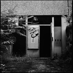 Welcome. (enricoweber) Tags: berlin bw hospital film analog 6x6 rolleiretro hasselblad