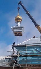 05. Поднятие купола с крестом в с. Никольское 14.04.2014