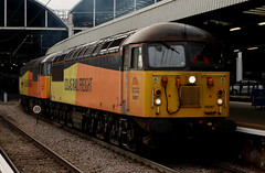 Class 56: 56087 + 56049 Colas Rail Freight Newcastle Central (emdjt42) Tags: 56049 56087 colasrailfreight newcastlecentral class56