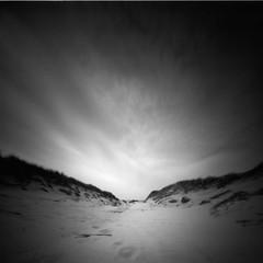 Passage (Rosenthal Photography) Tags: dänemark ff120 20190802 epsonv800 pinhole mittelformat lochkamera 6x6 realitysosubtle6x6 ilfordlc2912922°c55min ilfordrapidfixer urlaub ilfordpanfplus analog asa50 passage dunes beach strand coast northsea sea denmark houvig landscape summer august sun sunshine realitysosubtle rss 205mm f137 ilford panf panfplus lc29 rapid fixer 129 14 epson v800